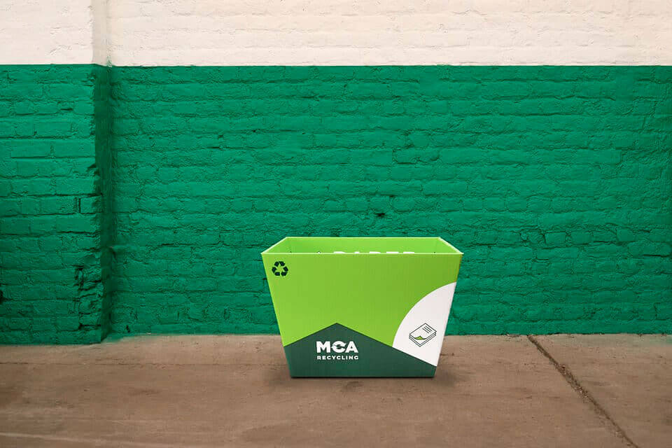 Green box. Use: paper and small cardboard boxes.